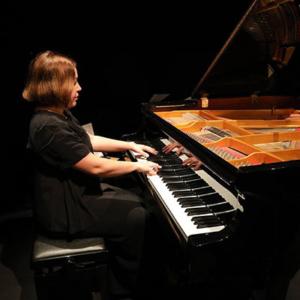 Elsa Silva piano