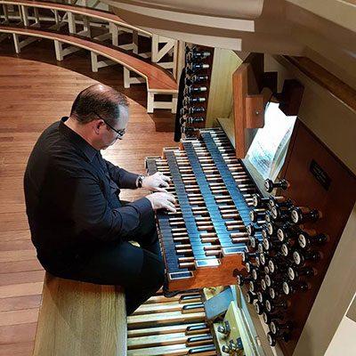 Filipe Veríssimo ao órgão da Lapa