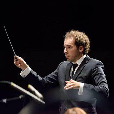 José Eduardo Gomes maestro