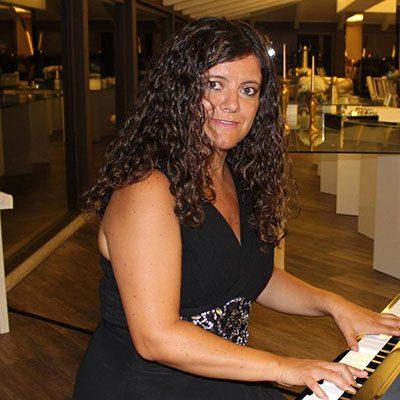 Ana Teixeira ao piano