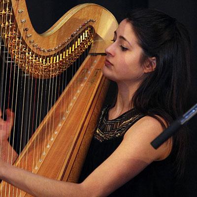 Ana Ester Santos, harpa