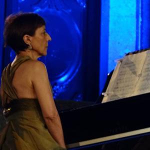 Eugénia Moura piano
