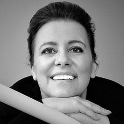 Alexandra Morna Dória soprano