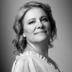 Paula Morna Dória soprano