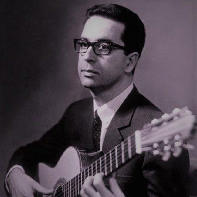 José Duarte Costa com guitarra clássica