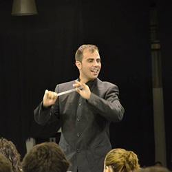 Pedro Ralo dirigindo