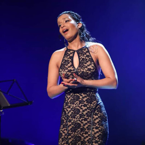 cantora Carla Bernardino
