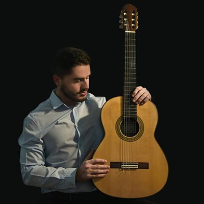 guitarrista Tiago Santos