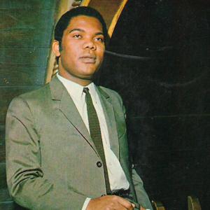 cantor Eduardo Nascimento
