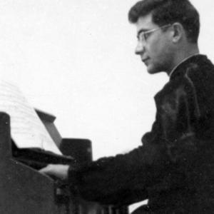 José Cirilo ao harmónio, últimos anos do Seminário Maior