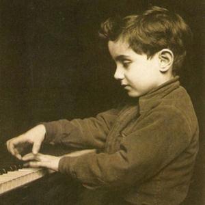 pianista Sérgio Varela-Cid aos 5 anos