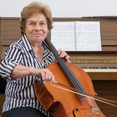 violoncelista gaiense Maria de Macedo