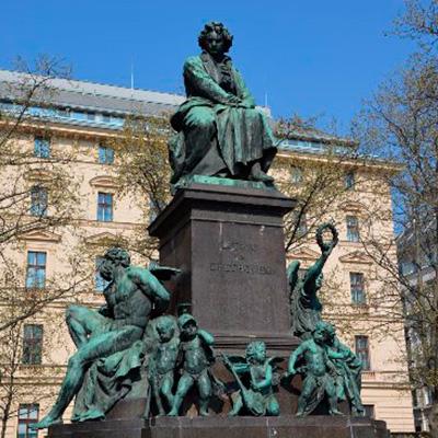 Monumento a Ludwig van Beethoven perto da Konzerthaus em Viena