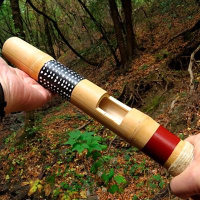 Clapper stick, idiofone de percussão indireta de cana
