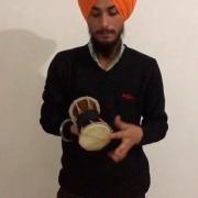 Dhadd, tambor em forma de ampulheta