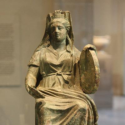 Tympanum, ou tympanon, estatueta de Cibele