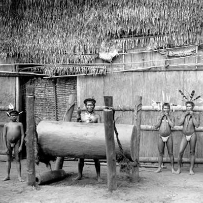 Trocano, tambor de fenda, Brasil