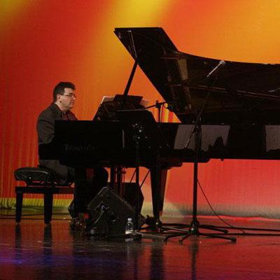 José Maria Parra, piano