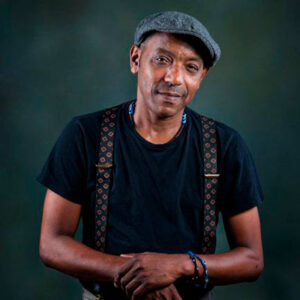 Tito Paris, guitarrista e compositor de Cabo Verde radicado em Lisboa