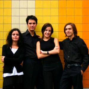Quarteto Arabesco, composto por Denys Stetsenko e Raquel Cravino (violino), Lúcio Studer (violeta) e Ana Raquel Pinheiro (violoncelo).