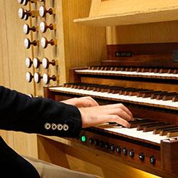 Daniel Ricardo de Pinho, organista, professor, compositor e maestro