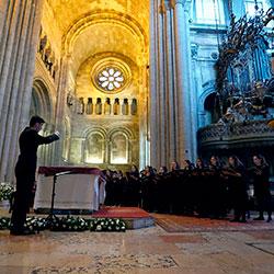João Carlos Perdigão, diretor de coros e pedagogo, de Torres Vedras