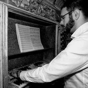 Nuno Mimoso ao órgão histórico do mosteiro de Refojos de Basto, Cabeceiras de Basto