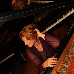 Rosgard Lingardsson, pianista e professora