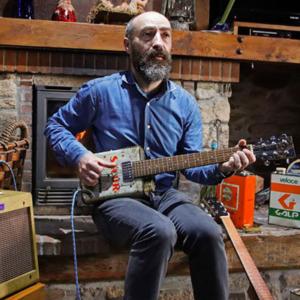 Guitarro, Paulo Meirinhos, créditos Sapo