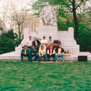 Grupo de Metais do Seixal em Viena de Áustria, monumento a Johannes Brahms