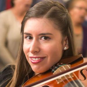 Marisa Taveira, violetista e organista, de Ponte de Lima