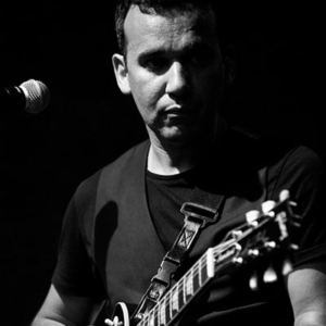 Pedro Bray, guitarra, produção, composição